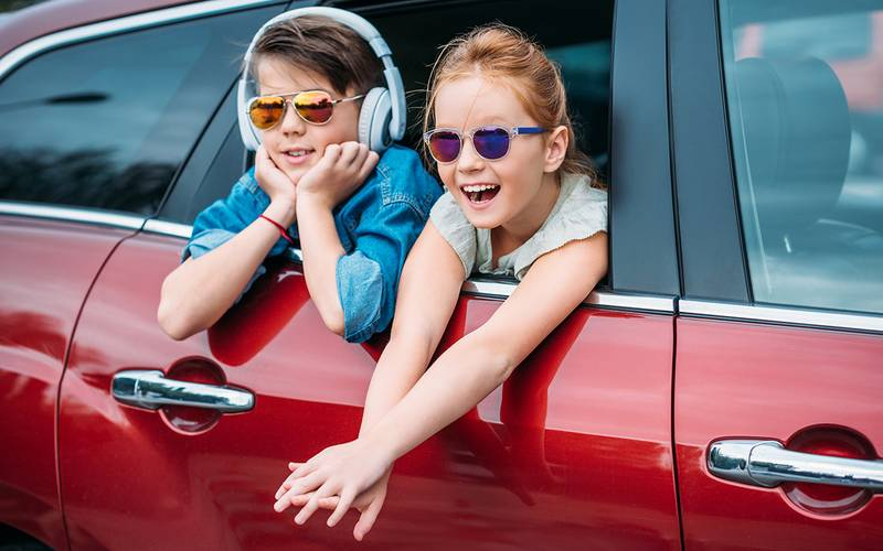 10 ways to entertain the child (and yourself) on the road